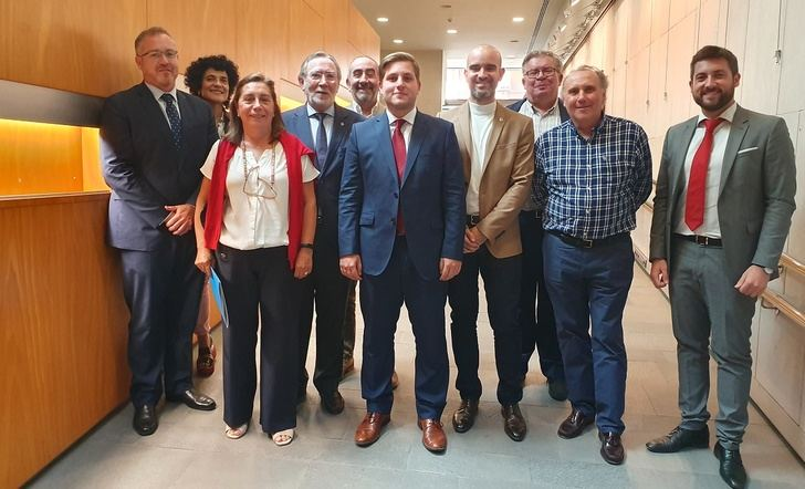 Reunión en Albacete del consejero Nacho Hernando con el colegio de aparejadores y arquitectos de Castilla-La Mancha