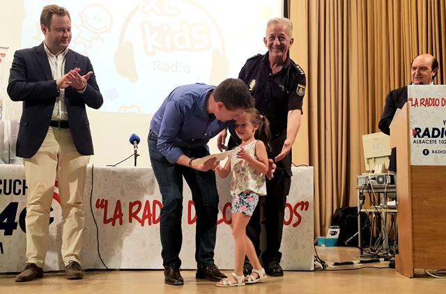 'La Radio de los Niños', de Radio 4G Albacete, tuvo la visita de los dirigentes de las instituciones públicas