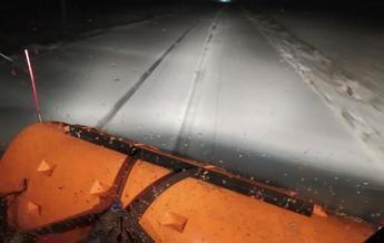 Los bomberos del SEPEI de Albacete rescatan a 8 personas atrapadas en sus coches por nieve