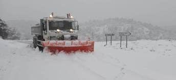 La Diputación de Albacete emplea más de 80 toneladas de sal para facilitar la circulación