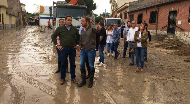 Núñez, candidato a la presidencia del PP de Castilla-La Mancha, visitas Cebolla tras las inundaciones
