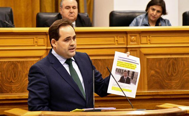 El presidente del PP de Castilla-La Mancha en el debate de la región, este martes.