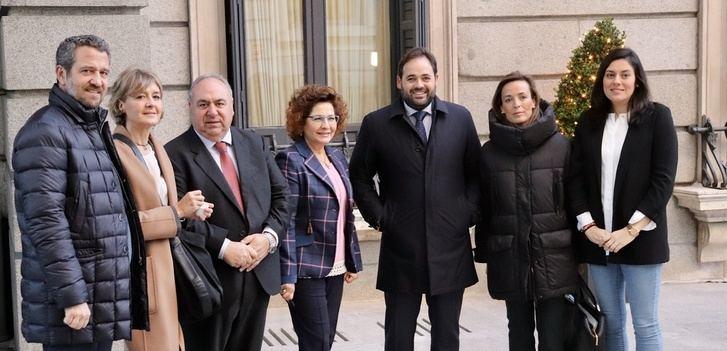 Núñez (PP) exige a Page que pase de las palabras a los hechos y no permita la investidura de Sánchez