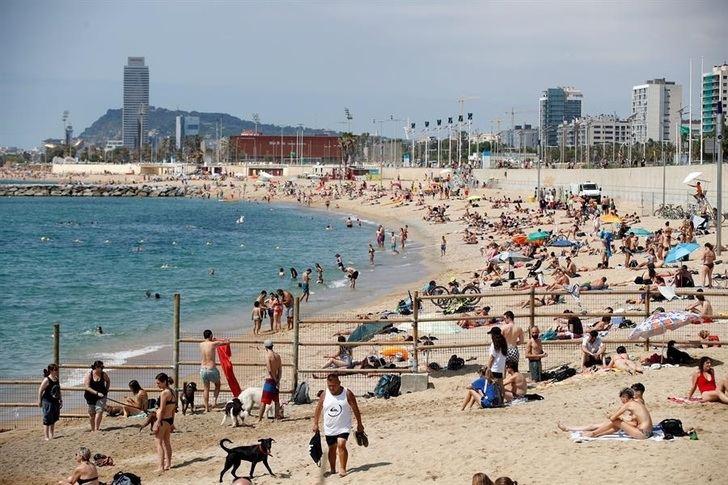 La nueva normalidad toma el relevo al estado de alarma en toda España, que se cerró con 28.322 muertos oficiales