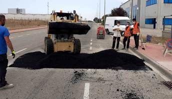 Obras de saneamiento de la calzada en diversas calles y avenidas del Polígono Romica de Albacete
