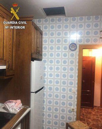 La Guardia Civil auxilia a un matrimonio de octogenarios tirados en el suelo de su casa sin poder moverse en Yuncler (Toledo)