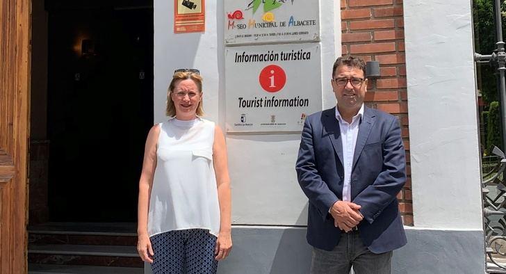 La Oficina de Información Turística de Albacete estará a partir de ahora en el Altozano, en el antiguo Ayuntamiento