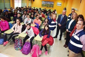 El Gobierno de Castilla-La Mancha informa en los centros docentes de Puertollano sobre el Plan de Emergencia Exterior