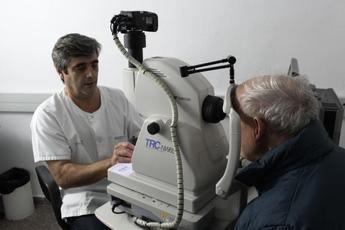 El Hospital de Albacete inicia el proyecto de teleoftalmología para la detección de retinopatía diabética