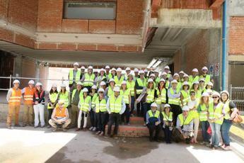 Sanitarios del Complejo Hospitalario de Toledo visitan las obras del nuevo Hospital Universitario