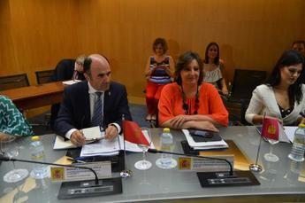 Castilla-La Mancha propone al Gobierno dar más protagonismo a los destinos de interior