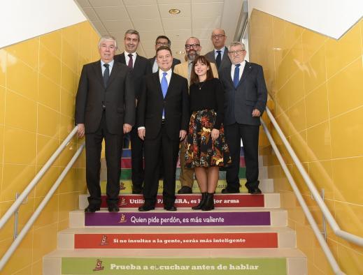 Page anuncia la inversión de 20 millones para ordenadores de última generación para alumnos de Castilla-La Mancha