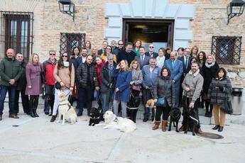 La Ley de Acceso de personas con discapacidad acompañadas de perros garantiza la equidad social en Castilla-La Mancha
