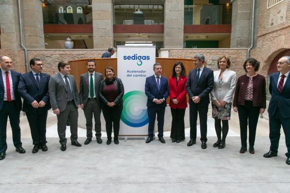Los centros públicos de la Junta de Castilla-La Mancha se establecerán de energía renovable