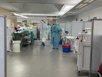 El Hospital Universitario de Albacete aumenta un 160 por ciento los puestos en unidades de críticos