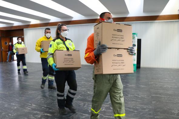 Castilla-La Mancha reparte 260.000 artículos de protección para los sanitarios, entre ellos 8.200 test