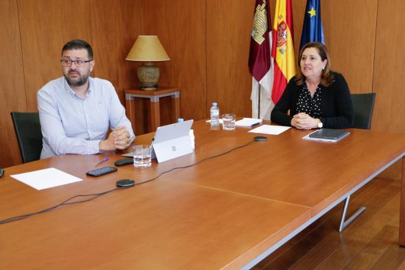 La Junta de Castilla-La Mancha contacta con colectivos educativos para planificar el próximo curso
