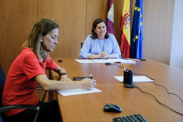 La Junta de Castilla-La Mancha estudia prorrogar para el próximo curso los contratos actuales del transporte escolar