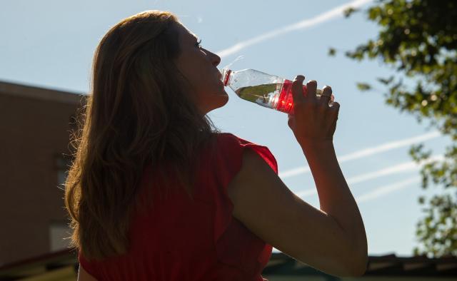El Gobierno de Castilla-La Mancha ofrece recomendaciones para protegerse del sol y el calor