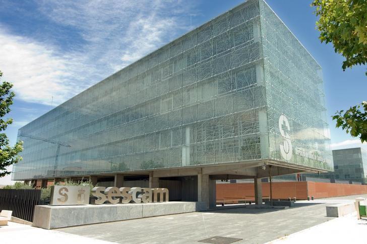 El SESCAM publica la convocatoria para cubrir 1.706 plazas de ofertas de empleo de diez categorías