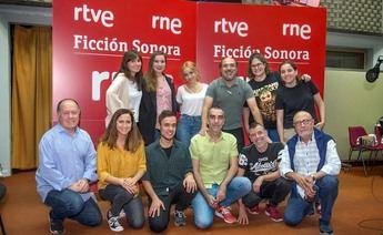El actor conquense Pablo Ibáñez en la ficción sonora de RTVE: Alicia en el País de las Maravillas