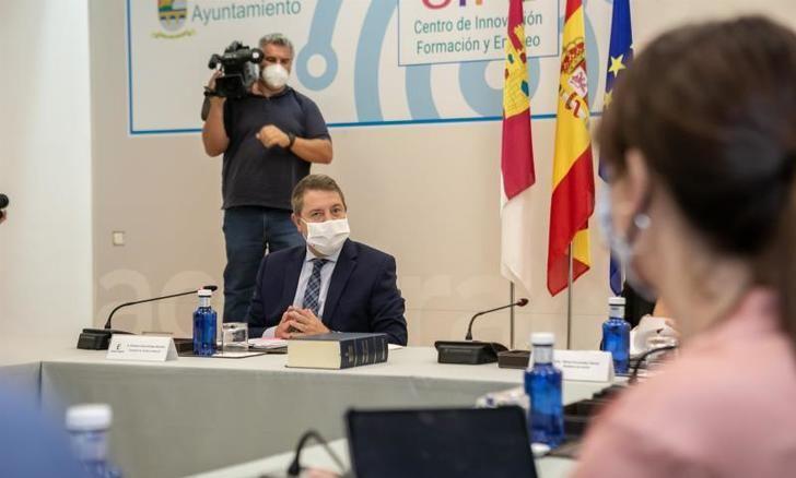 Page es partidario de ir eliminando las restricciones del coronavirus 'de forma progresiva'
