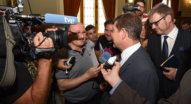 Page pedirá al nuevo Gobierno de España que cumpla con la ley en los trasvases