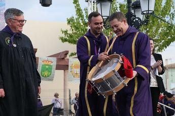 """Page: """"Nos sentimos orgullosos de compartir la tradición de las tamboradas con toda la humanidad y recordarnos como lo que somos"""""""