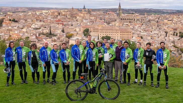 Page participa en la marcha ciclista 'Moving for Climate Now' en una apuesta por la movilidad sostenible