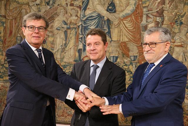 Junta y UCLM firman un convenio financiación, antesala de contrato-programa