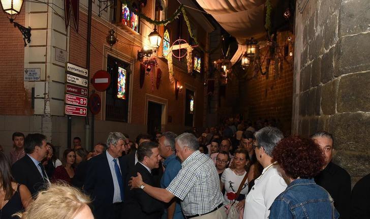Toledo vive y disfruta de la festividad del Corpus, y Page señala que está en 'el ADN de esta tierra'