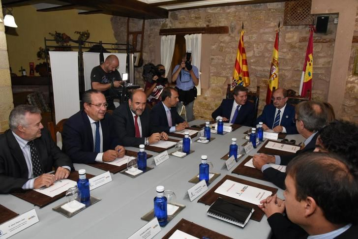 Castilla-La Mancha y Aragón piden que se garanticen servicios públicos en zonas despobladas