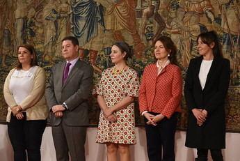 Nuevas normas para las listas de espera en Castilla-La Mancha y anuncio de Page de una ley que pedirá igualdad para contratar