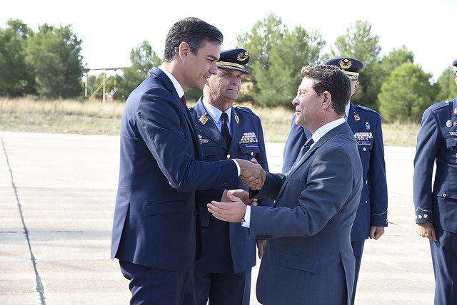 Page con Pedro Sánchez esta misma mañana en la Base Aérea de los Llanos de Albacete.