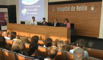 La importancia de la colaboración entre profesionales en las Jornadas sobre cuidados paliativos del Hospital de Hellín