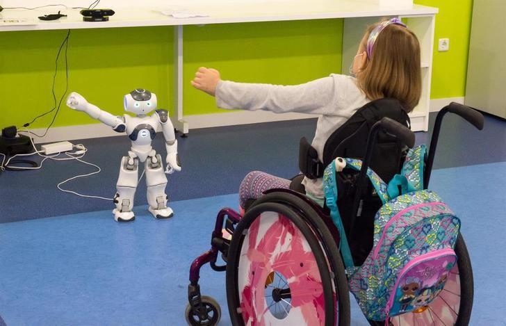 El Hospital de Parapléjicos de Toledo ensaya con robótica para reducir rehabilitación en pacientes pediátricos con lesión medular