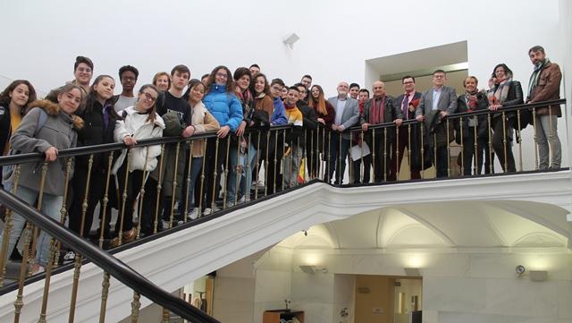 La Casa Perona recibe a una delegación del Programa 'Parlamento Joven, una Escuela para la Democracia'