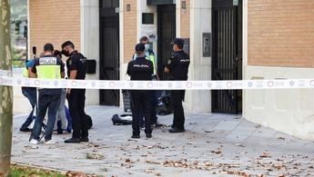 La esposa e hija del médico apuñalado en Murcia acusarán al hijo, que se entregó en Hellín, por el crimen