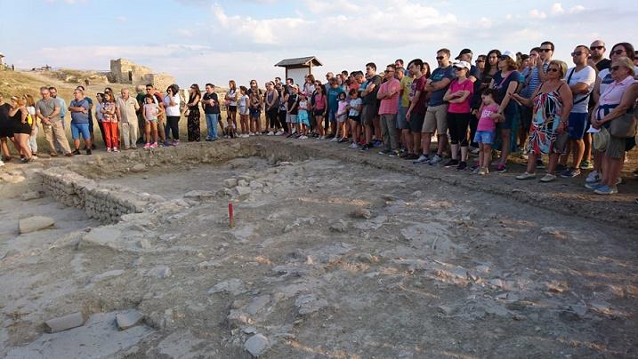 Puertas abiertas en el yacimiento arqueológico de la Peña del Castillo 987271a2851d2