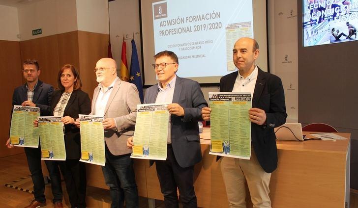La Junta apuesta por los sectores aeronáuticos, energías renovables, turismo y textil en la oferta formativa de FP en Albacete