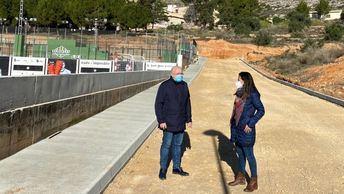 La Junta y el Ayuntamiento de Elche de la Sierra impulsan diferentes mejoras en la piscina municipal