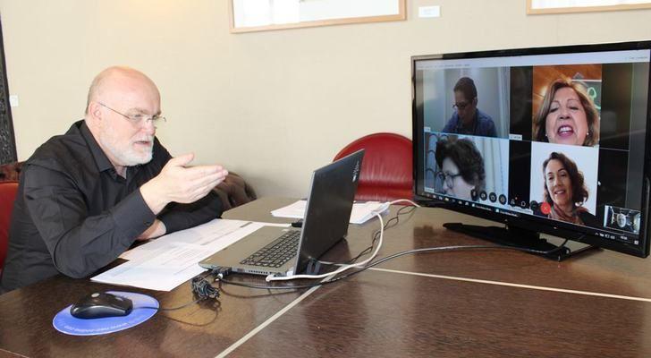 La Junta reconoce el esfuerzo de las Asociaciones de Parkinson de Albacete con la atención terapéutica individualizada