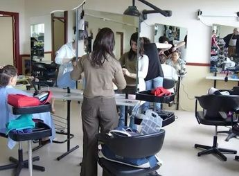 Finalmente se cerrarán las peluquerías por el coronavirus, tras la petición del sector