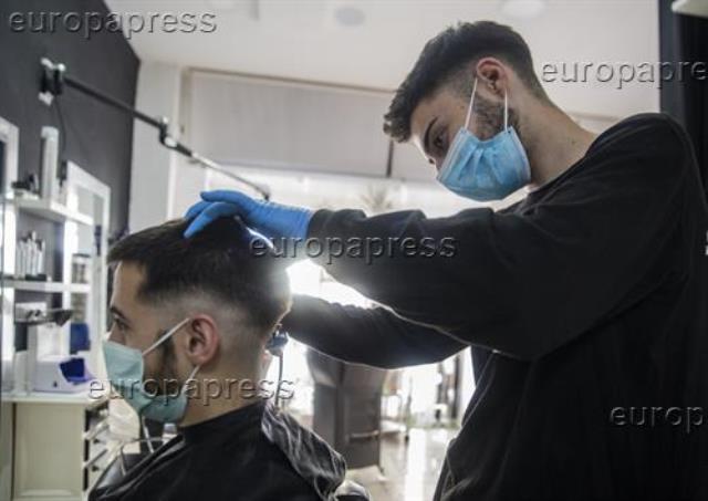 Las peluquerías advierten de que el IVA al 21% aboca a la quiebra a 20.200 salones
