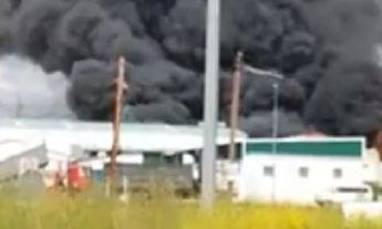 Crece la preocupación en Pepino (Toledo) por el incendio de una chatarrería en un polígono industrial