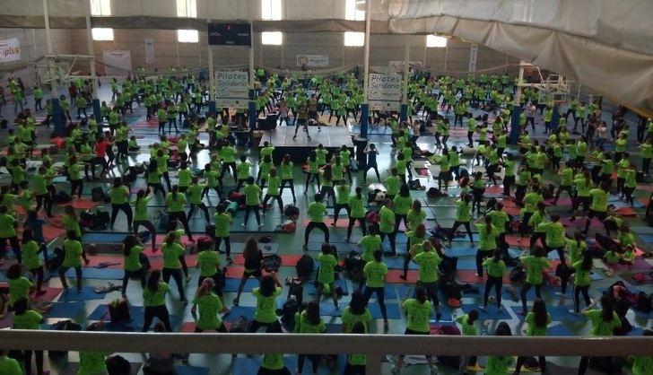 Más de 1.100 personas participan en Albacete en el IV Pilates Solidario de AFANION