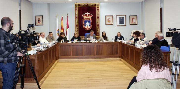 El Ayuntamiento de La Roda apoya tres mociones sobre violencia de género, caza y la aplicación del salario mínimo