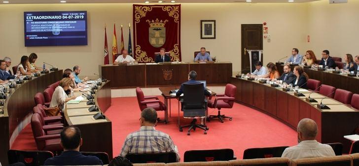 El alcalde de Albacete cobrará 64.000 euros y 47.000 los concejales