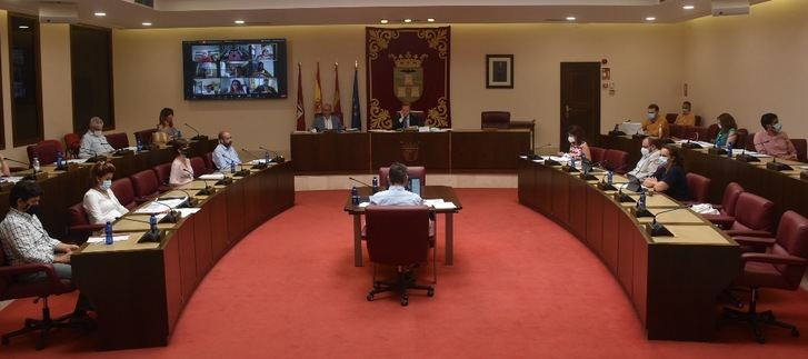 Reconocimiento del Ayuntamiento de Albacete a los profesionales que lucharon directamente contra el coronavirus