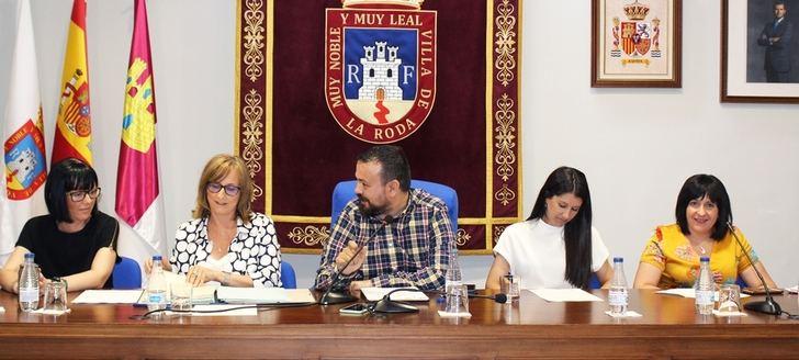 Juan Ramón Amores, el nuevo alcalde de La Roda, presidió el primer pleno de la legislatura
